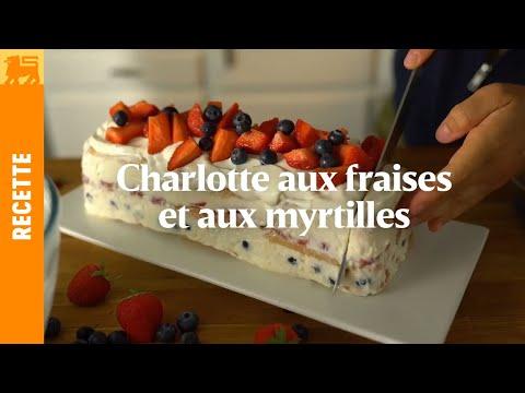 Charlotte aux fraises et aux myrtilles