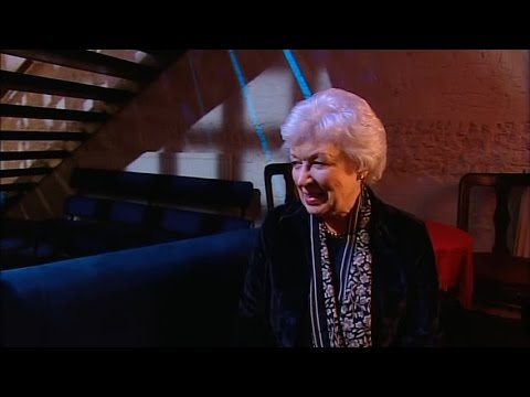 Absolutely Fabulous S04EX4 Interview June Whitfield