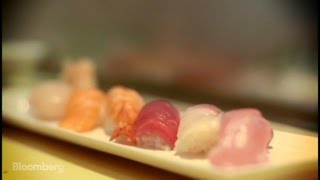 Master Chef Shows Art of Making Perfect Sushi