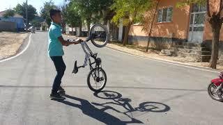 Bisiklet cesitleriyle hareket yaparken cbr 125 lik geldi