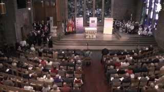 Manfred Barsuhn begrüßt Wolfgang Bosbach und weitere Ehrengäste beim Tag der Heimat 2014 in Düren