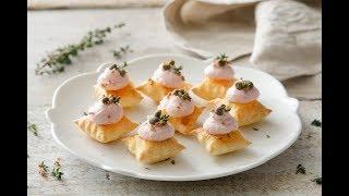 Stuzzichini di pasta sfoglia con mousse di prosciutto