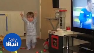adorable-moment-a-19-month-old-rangers-fan-celebrates-a-goal
