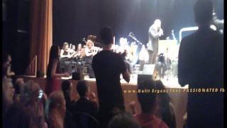 Halit Ergenc & ALI -END of the concert,singing again''Haydi gel içelim'' 6/2/2015 (5th mobile video)