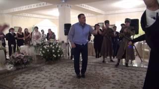 Легенды борьбы танцуют лезгинку