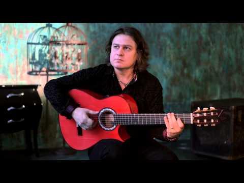 Roman Miroshnichenko telling about his signature guitar by Jerónimo Pérez