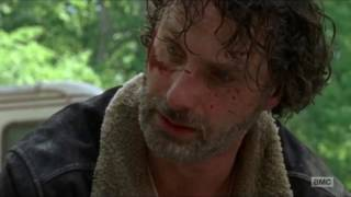 The Walking Dead - Carl almost looses his arm.
