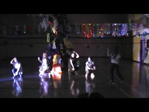 "Новогодний dance bаttle . Танец 6 класса ""Truck on D Road""."