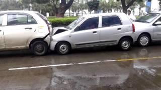 vehciles rammed into each other at Kasarwadi in PimpriChinchwad | MPC News | Pune | Pimpri-Chinchwad