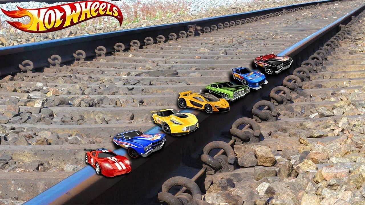 Train Vs 100 HotWheels Test