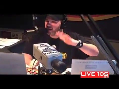 Tony k!lls a Chicken on The Woody Show