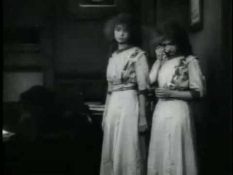 Клип Corde Oblique - Barrio Gotico