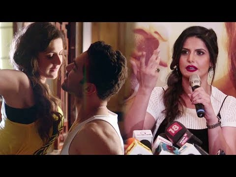 Zarine Khan Best Reply On Hot Scenes In Aksar 2