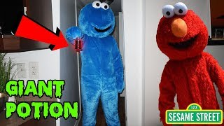 GIANT ELMO GIVES COOKIE MONSTER DOLL A GIANT POTION AT 3AM | ELMO SUMMONS COOKIE MONSTER AT 3AM
