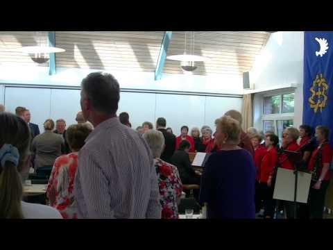 Deutschlandlied im Evangelischen Gemeindehaus Willich-Anrath - Tag der Heimat 2014