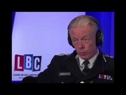 Sir Bernard Hogan Howe urges Londoners to help out with crime
