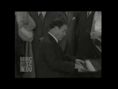 Harold Bauer plays Schubert Marche Militaire (film clip from 1928)