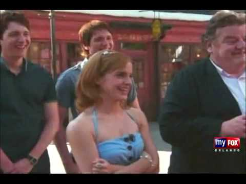 Emma Watson - Visiting the Wizzard World of Harry Potter