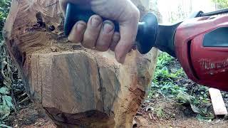 Escultura INA clip 18 perforando