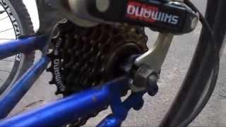 Люфт, шат задней звезды на велосипеде, как убрать, в чем причина. Задние звезды велосипеда(Мой ВК https://vk.com/id263241899 Полезные видео с моего канала, о ремонте велосипеда. 1) Задняя втулка колеса обслуживан..., 2014-06-25T19:57:03.000Z)