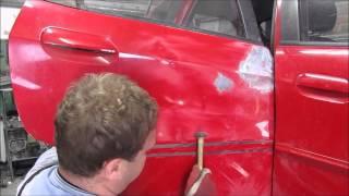 A door repair. Ремонт двери.(The rear door repair of the car. Ремонт задней двери машины., 2014-08-11T17:32:14.000Z)