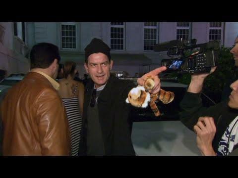 Harvey Weinstein arrives to bail hearing using a walker - CNN