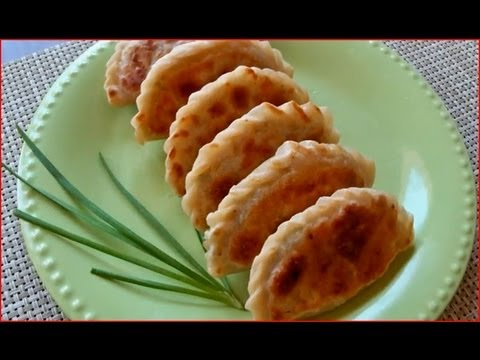 Fried Pot Stickers / Cooking Chinese Food 韭菜盒子