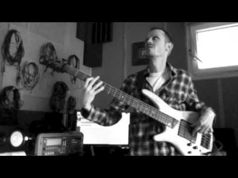 Ibanez SR605 Bass Guitar Demo-New Order
