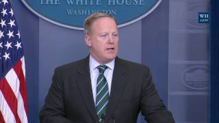 1/25/17: White House Press Briefing