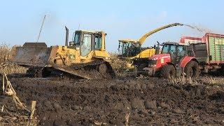 Modderen - Bomhof en Rensen halen de laatste mais eraf met behulp van bulldozer (deel 2/2) (2017)