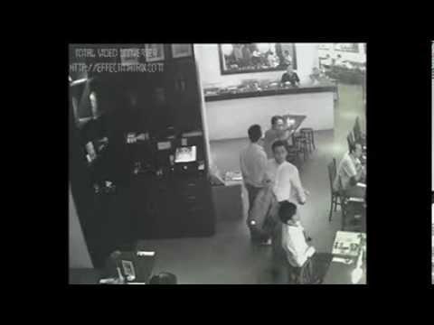 Aksi Tiga Pelaku Pencuri Tas di restaurant Terekam CCTV