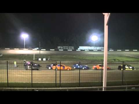 7-3-15 hornet feature race after crash. fayette county speedway brownstown Il