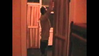 Zambia - oprava vyražených dveří :-)