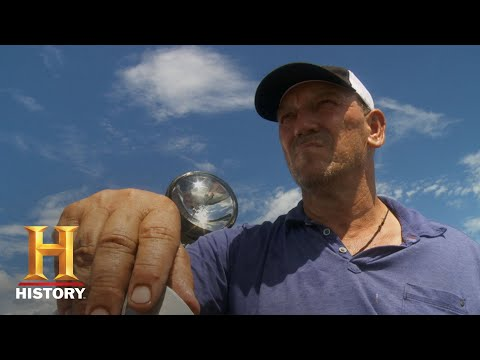 Swamp People: Troy Hunts An Alligator Named Big Head Jr. (Season 10) | History