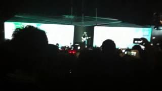 Eros Ramazzotti inizio concerto 14 marzo 2013, Ancora vita+Sotto lo stesso cielo.