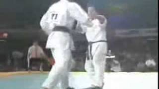 ЛУЧШИЕ БОИ: карате кекушинкай против шотокан(, 2010-10-28T08:13:03.000Z)