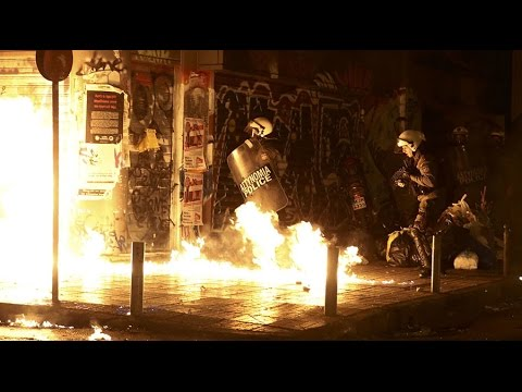 Greeks protest Obama's visit to Athens (Streamed Live)