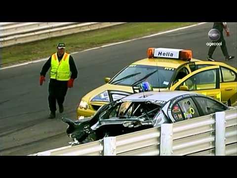 V8 Supercars Flashback - Dumbrell & Baird Crash at Pukekohe (2005)