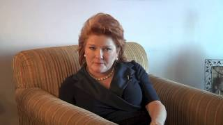 Kate Mulgrew on Writing her Memoir