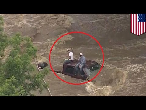 Texas floods: dramatic helicopter rescue of Denton County residents trapped by storms - TomoNews