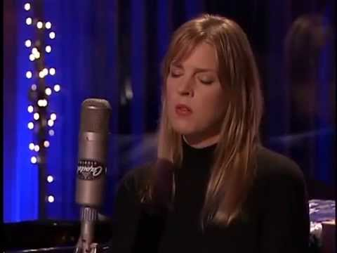 """What Are You Doing New Year's Eve?"" (In Studio) - Diana Krall & The Clayton-Hamilton Jazz Orchestra"