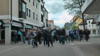 [2-4] 1.FC Heidenheim - VfL Bochum 15.5.2016 Marsch der Bochumer zum Stadion
