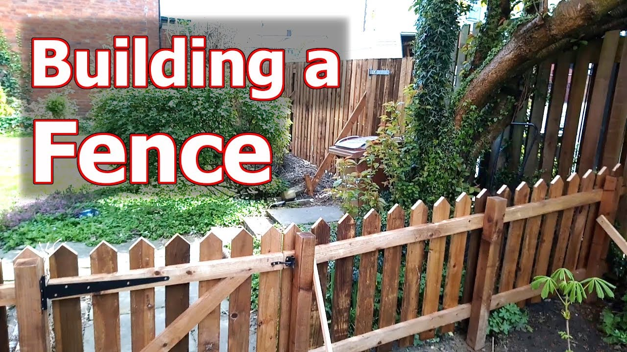 Building 2 fences, a 6ft double boarded paling & a 3ft picket fence
