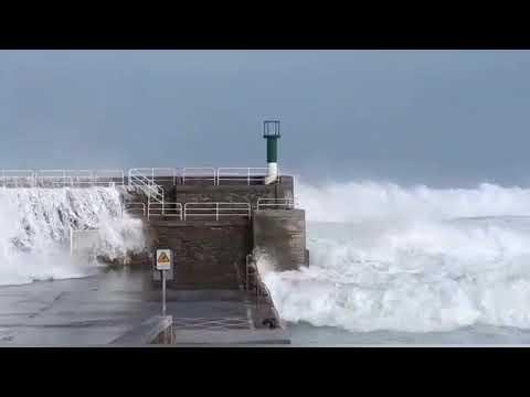 La fuerza del mar en Rinlo
