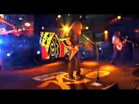 Megadeth on Jimmy Kimmel, xmas songs skit -- KISS + Nirvana in R & R Hall of Fame! -- KORN rig