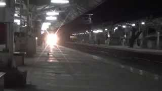 Bone Chilling Horn by Superfast Trivandrum Rajdhani Express on a Freezing Winter Night at Kelve Road