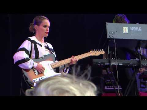 Anna Calvi - I'll Be Your Man - Cactus Festival - Brugge - Belgium mp3