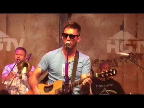 'American Country Love Song' live by Jake Owen at The HGTV Lodge at CMA Fest.