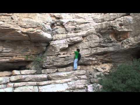 Woman Falls Off Cliff And Dies Doovi