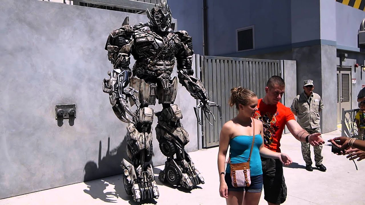 & Transformers - Megatron (universal studios costume) - YouTube